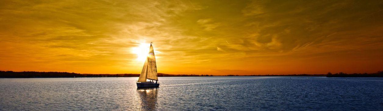 vela e tramonto